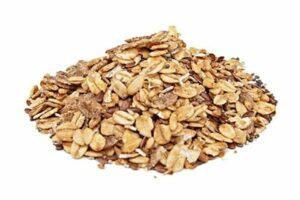 גרנולה ללא סוכר עם זרעי צ'יה ופשתה